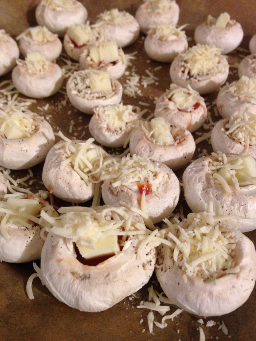 pizza-style stuffed mushrooms